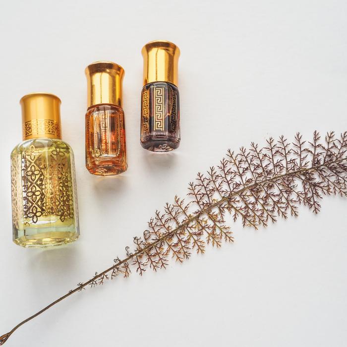 Női-, férfi parfüm